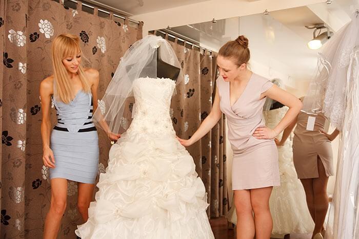 Aufgaben Trauzeugin Brautmodengeschäft