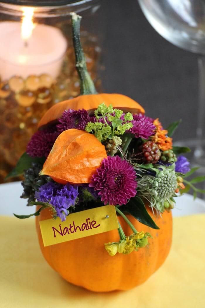 Herbstliche Tischkarten mit Kürbis