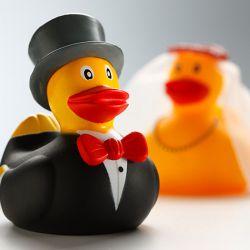 Lustige Hochzeitsgeschenke Die Fur Gesprachsstoff Sorgen