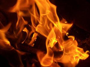 Polterabend Brauch Hose verbrennen