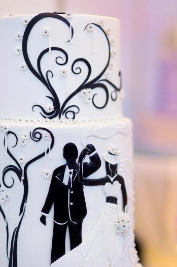 Brautpaar auf Torte