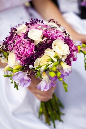 Brautstrauß mit Freesien - Bildergalerie Hochzeitsportal24