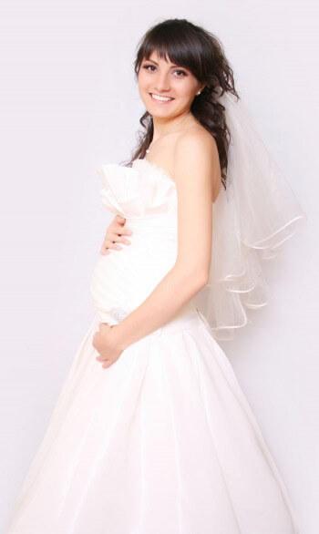 Hochzeitskleid für Schwangere