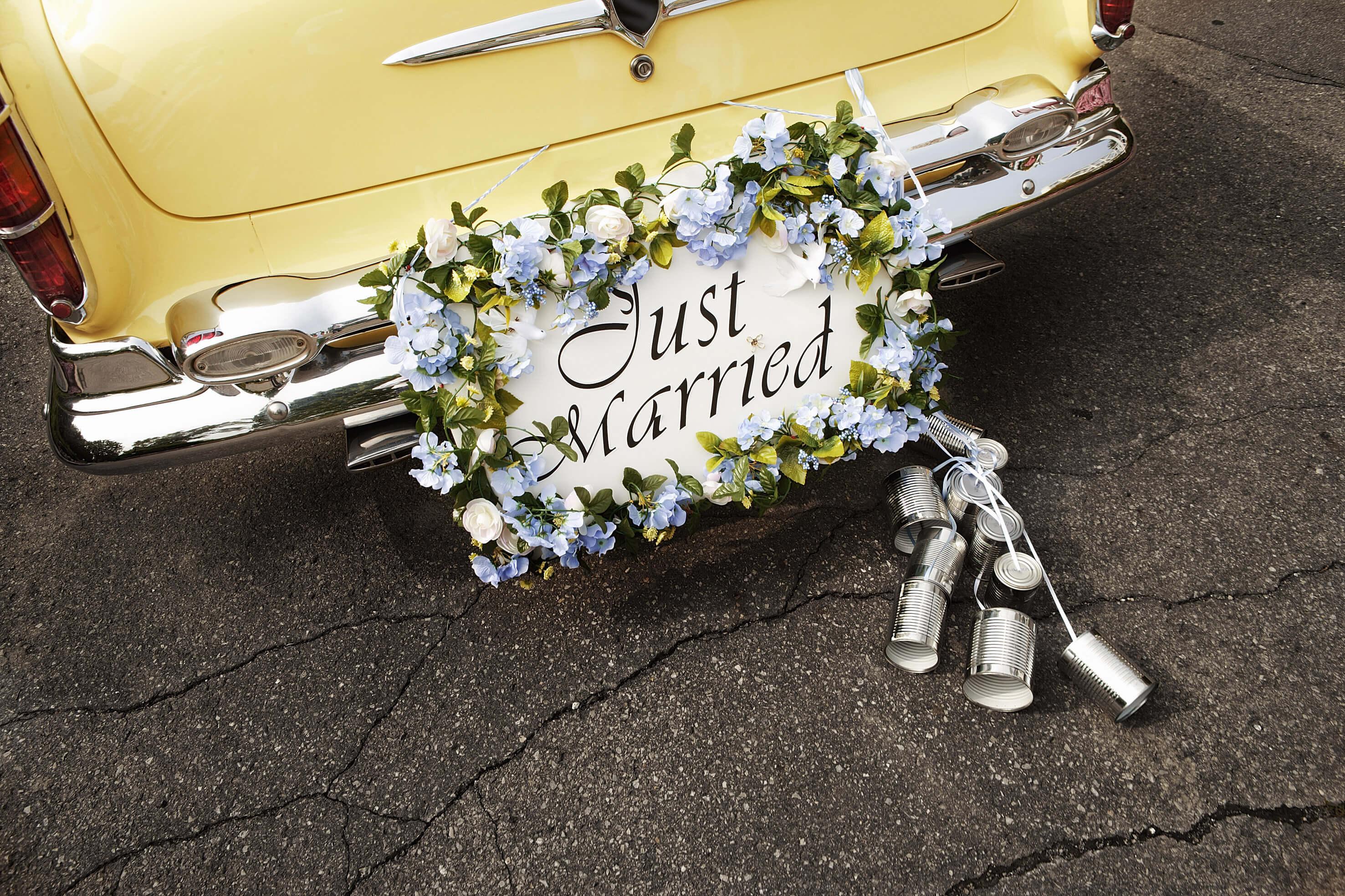 Kosten Fur Den Autoschmuck Bei Der Hochzeit Infos Tipps