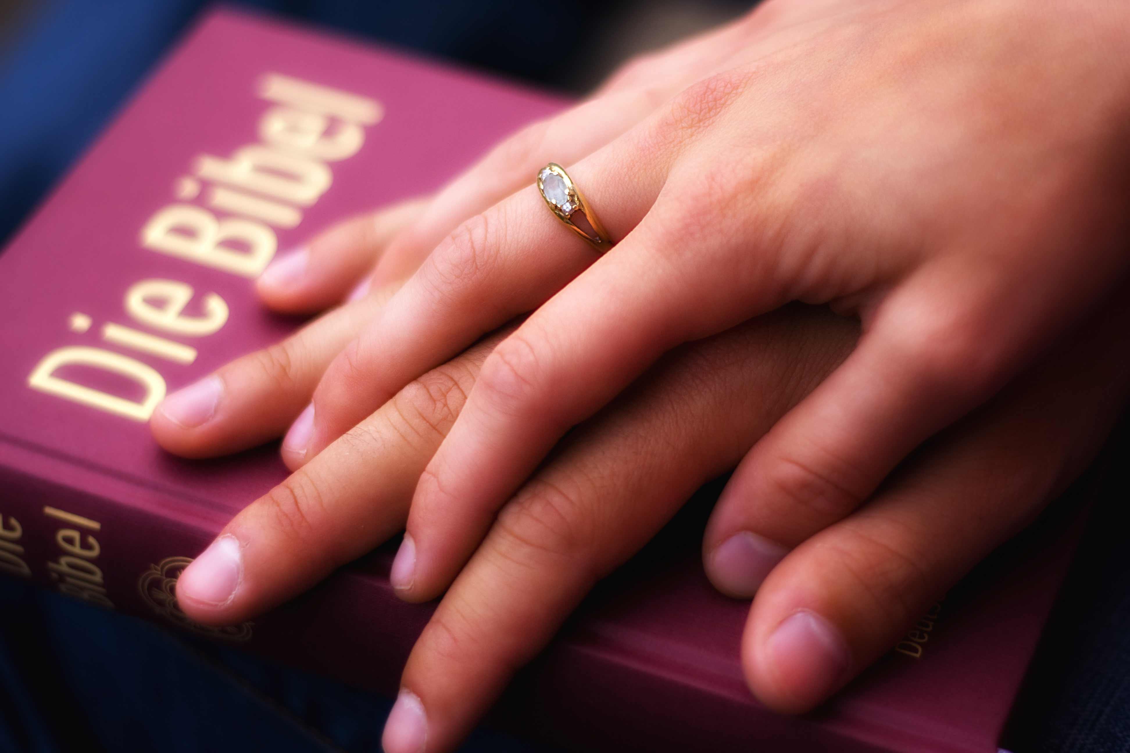 biblische trausprüche | schöne beispiele und zusätzliche tipps