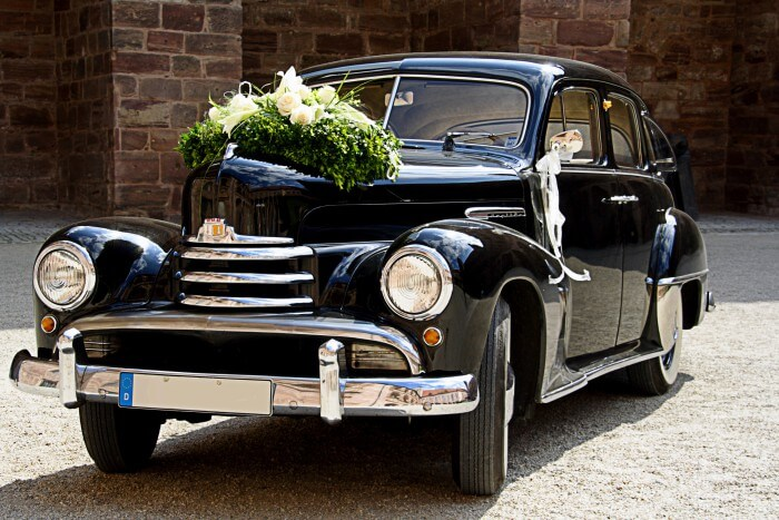 Blumendeko Auto Hochzeit
