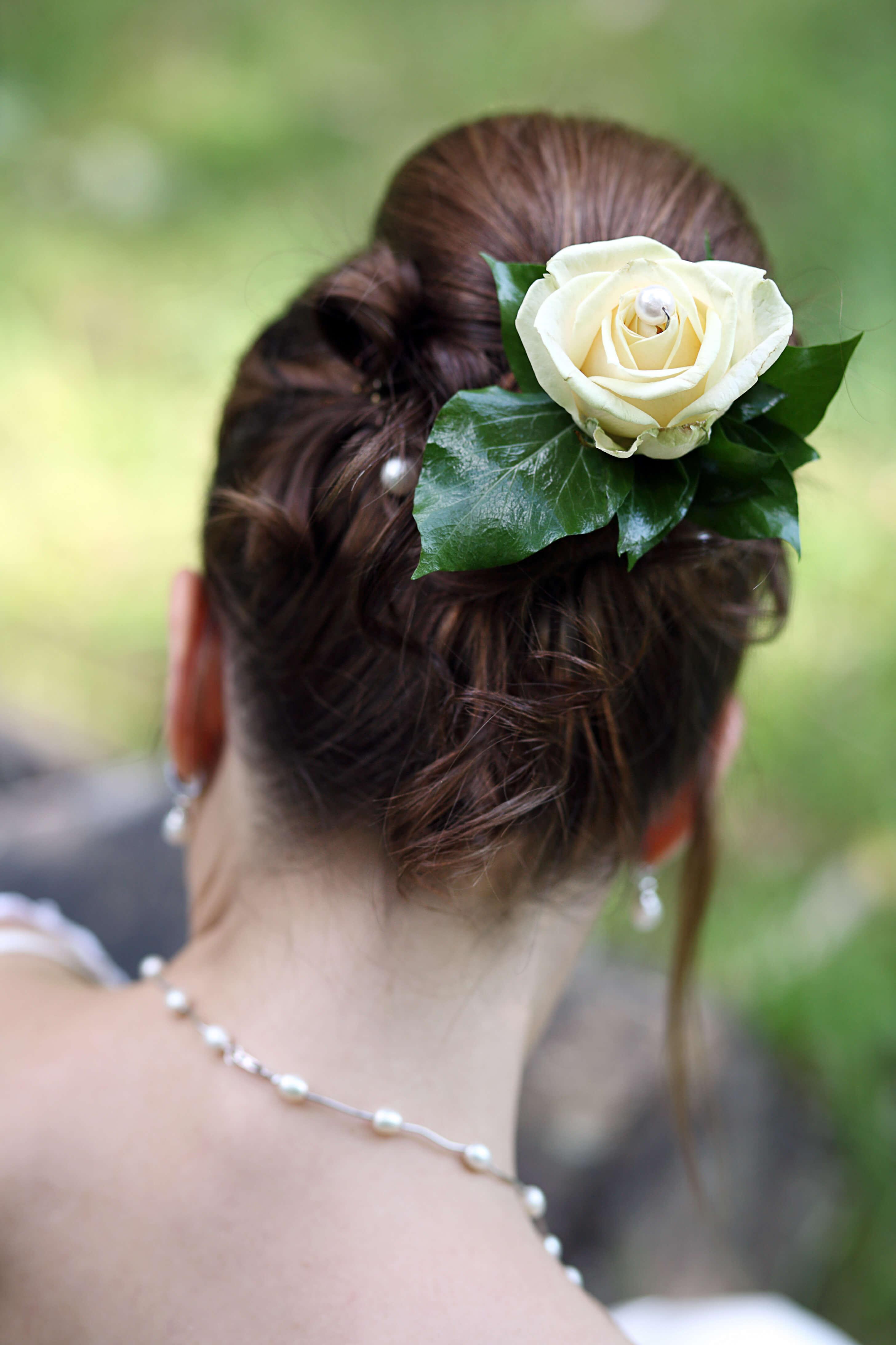 Brautfrisur mit Dutt Bildergalerie Hochzeitsportal24