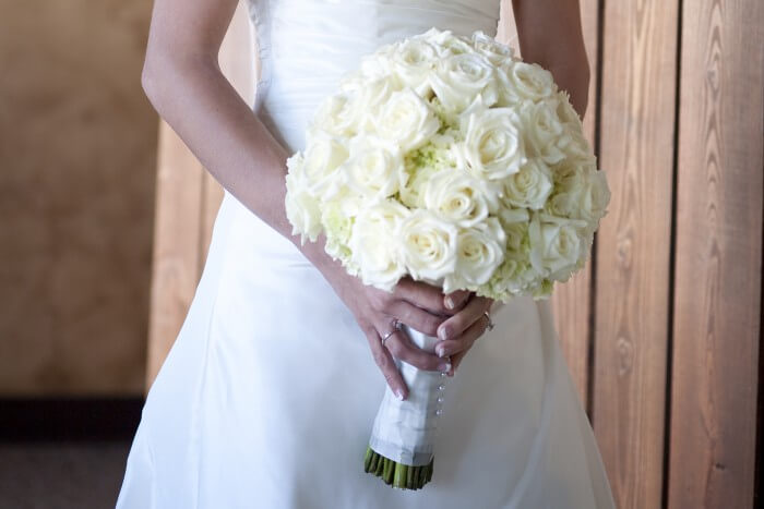 Brautstrauß winterlich dekorieren