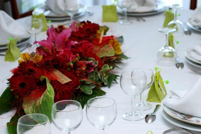 Tischdekoration zur hochzeit tipps ideen - Brautpaar tischdeko ...