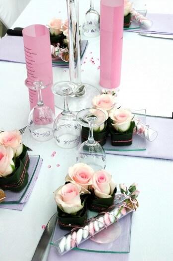 Hochzeit tischdekoration mit rosen bildergalerie for Rosa tischdeko hochzeit