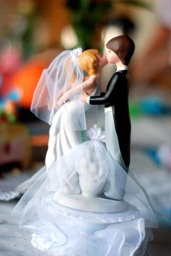 Hochzeitstorte Romantik Kuss