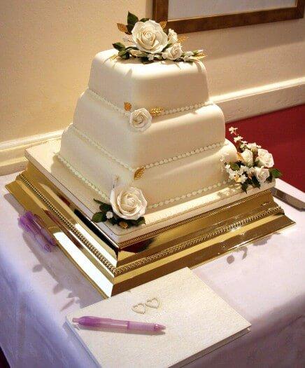 Hochzeitstorte gold - Bildergalerie Hochzeitsportal24