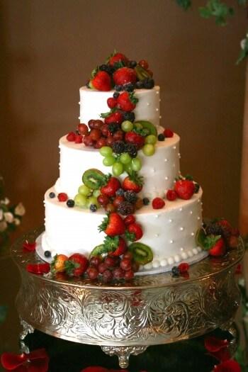Hochzeitstorte mit Früchten - Galerie Hochzeitsportal24