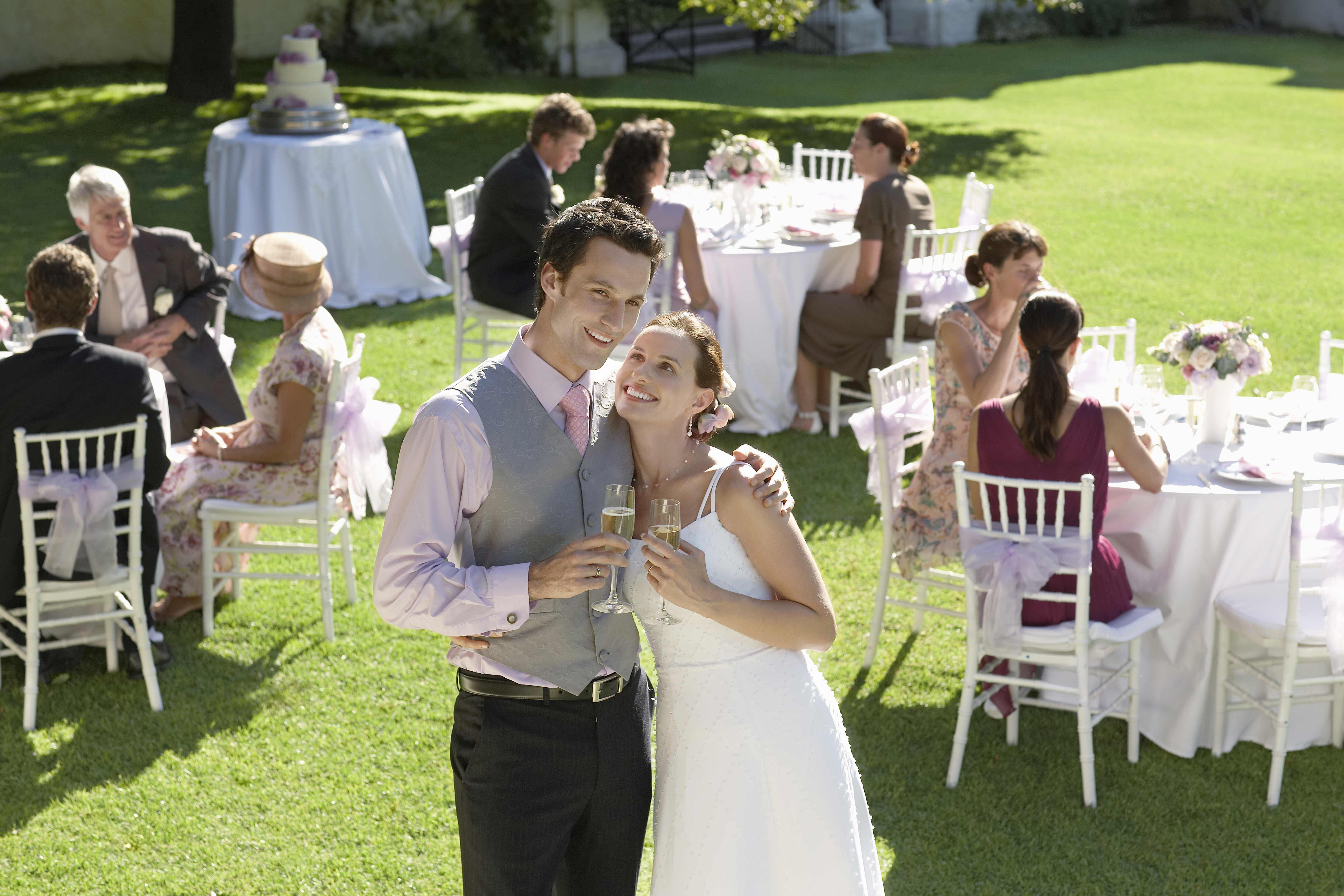 Hochzeit im freien hochzeitsportal24 - Hochzeitsfeier im garten ...