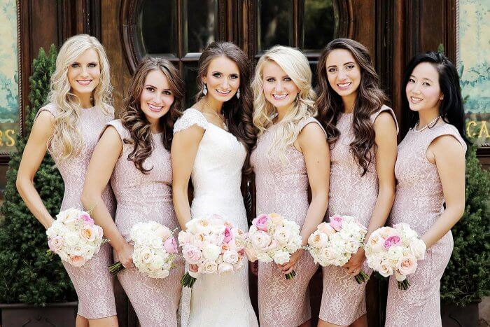 Frisuren für Brautjungfern