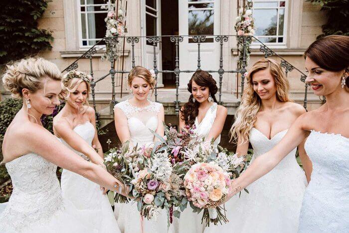 Brautkleid Shooting mit Freundinnen