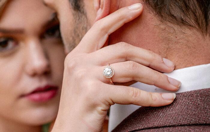 Verlobungsring Gold mit Diamant
