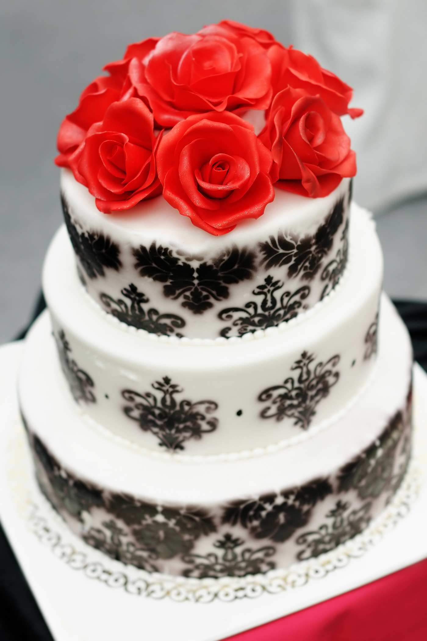 Gothic Hochzeitstorte
