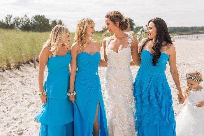 Blaue Brautjungfernkleider