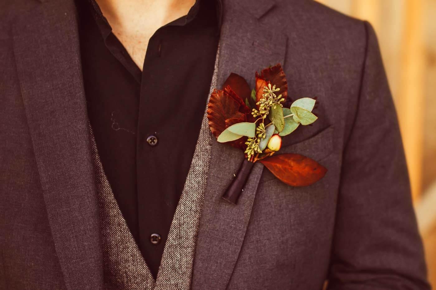 Anstecker-Blumen Oktober-Hochzeit