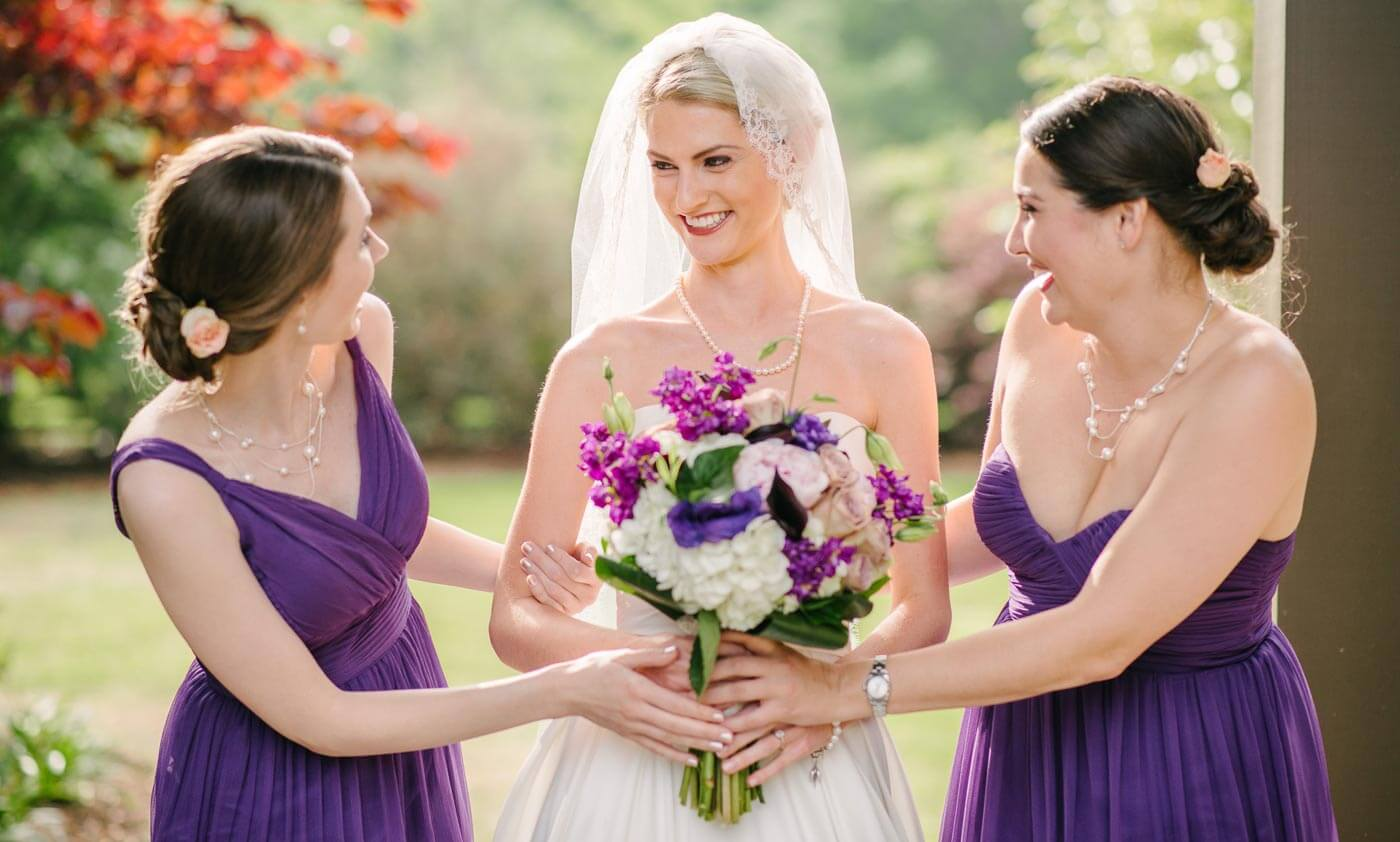 Hochzeit Lila & Weiß - vom Brautstrauß bis zur Deko in Violett