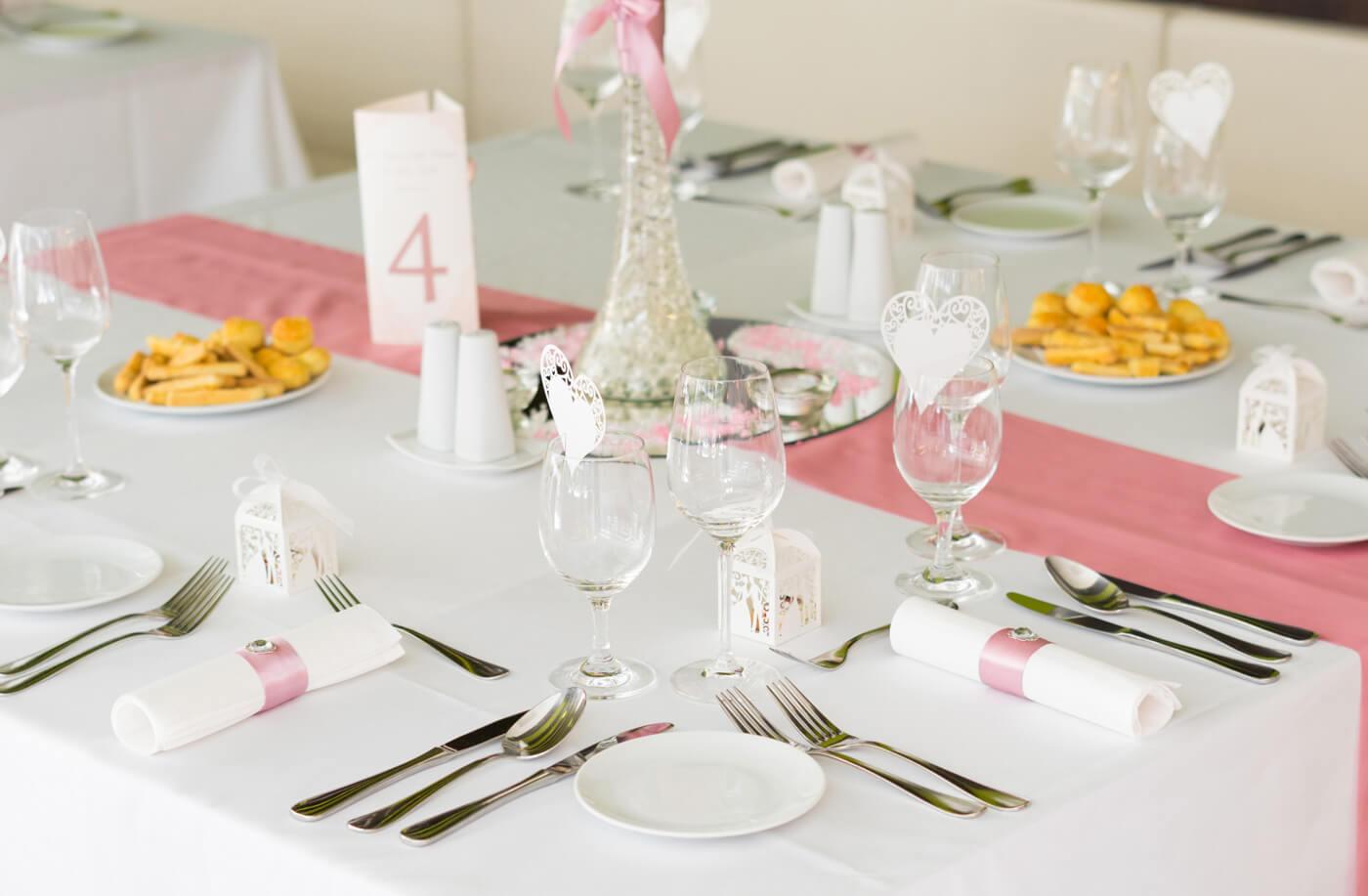 Hochzeitstischdeko Rosa
