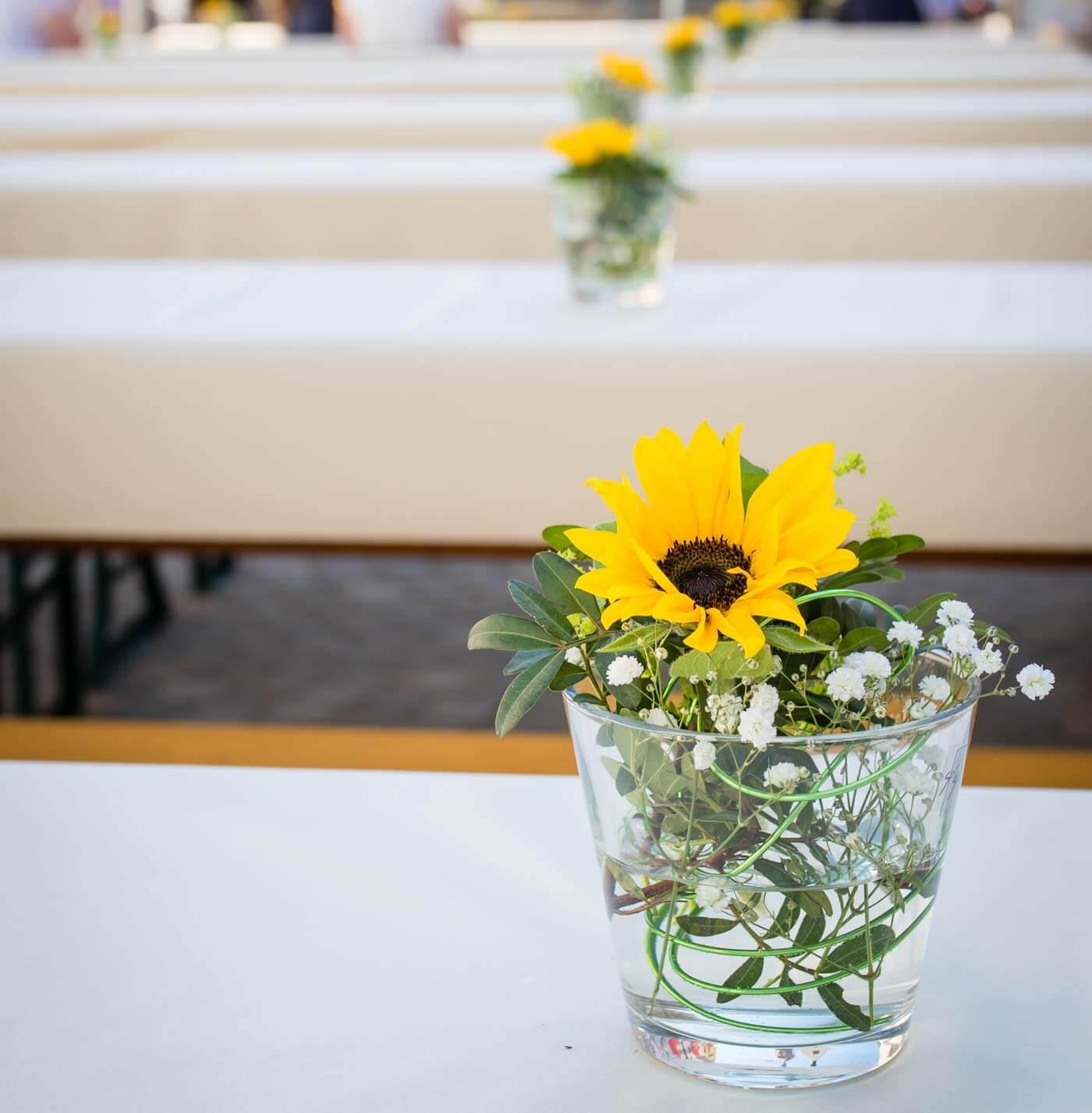 Sonnenblumen Hochzeit Die 33 Schonsten Ideen Fur Sonnenblumen Deko