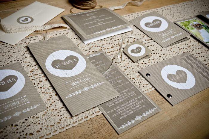Einladungen rustikale Hochzeit