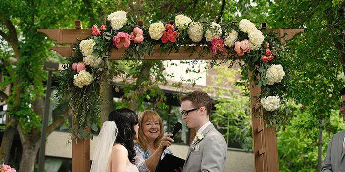 Rosenbogen Hochzeit