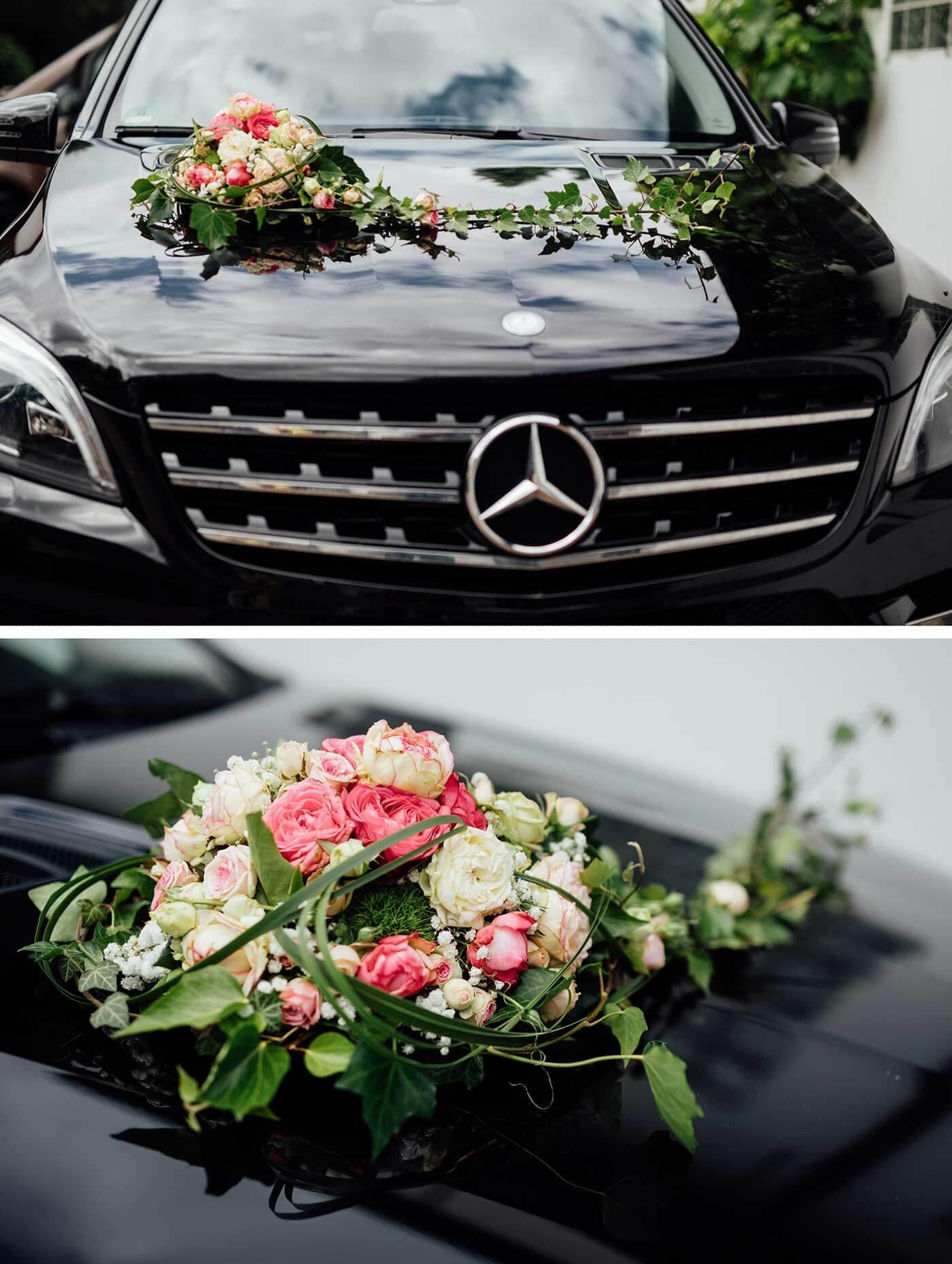 Blumenkranz für das Auto