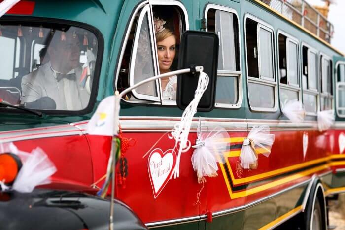Hochzeitsbus Autoschmuck