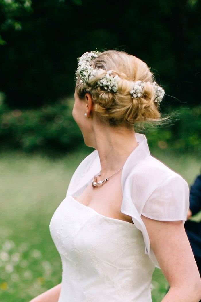 Brautfrisur mit Schleierkraut | Mehr Ideen in der
