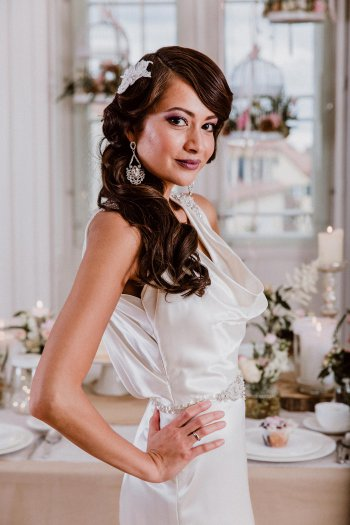 Brautfrisuren seitlich gesteckt I Ideen und Inspiration