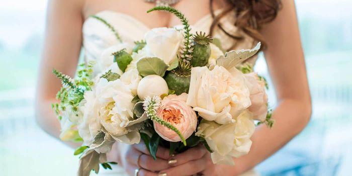 Brautstrauß Ranunkeln Rosen