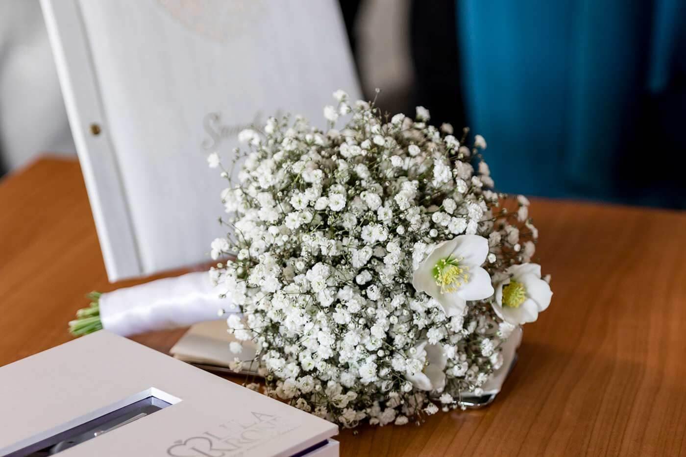 Brautstrauß Christrosen