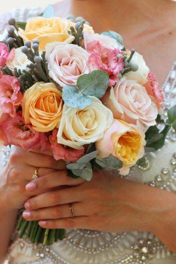 Hochzeitsstrauß mit Rosen