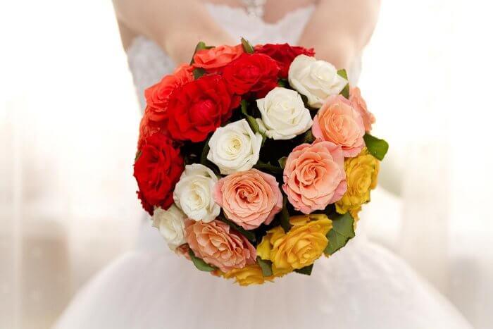 Vintage Brautstrauß mit Rosen