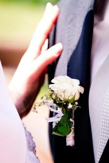 Anstecker zur Hochzeit basteln