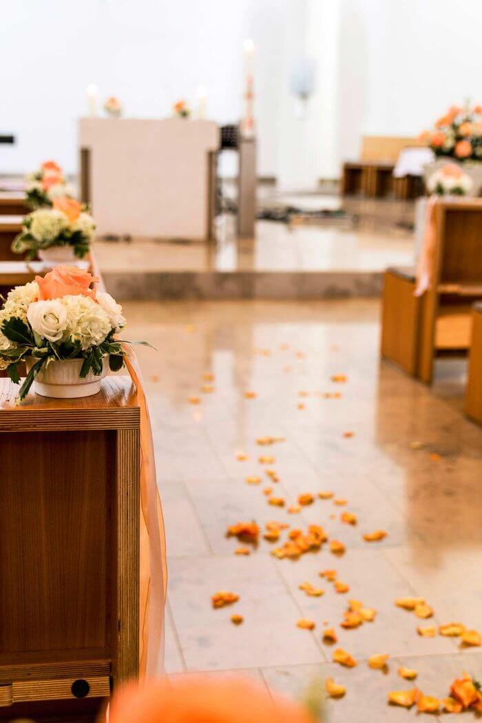 Blumendeko kirchliche Trauung