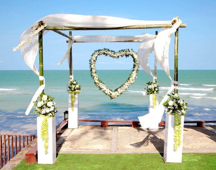 Hochzeitsfeier im Freien Deko