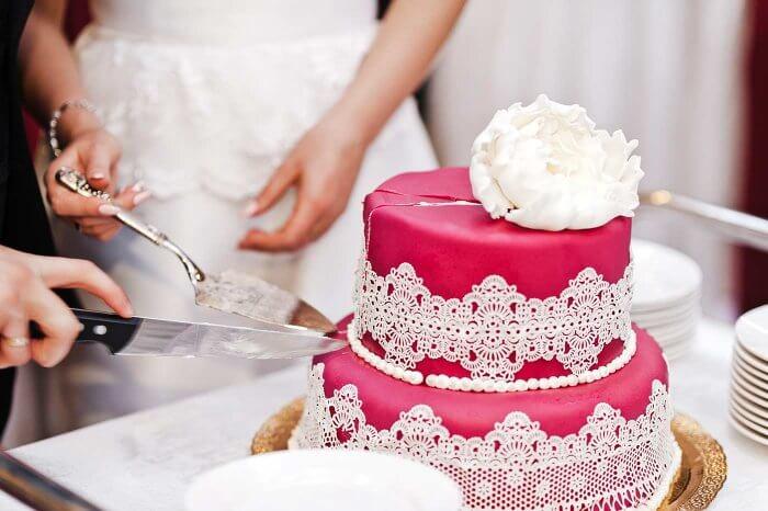 Anschneiden Der Hochzeitstorte Bildergalerie Mit Beispielbildern