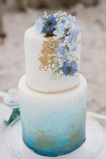 Hochzeitstorte Blau I Viele weitere Farben in der Galerie