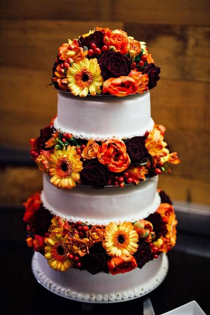 Hochzeitstorte für eine Hochzeit im Herbst
