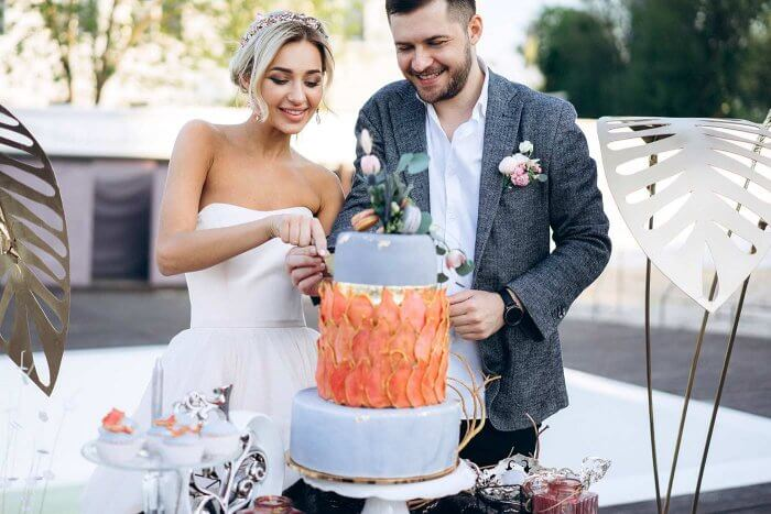Hochzeitstorte Anschneiden Bildergalerie Mit Beispielbildern
