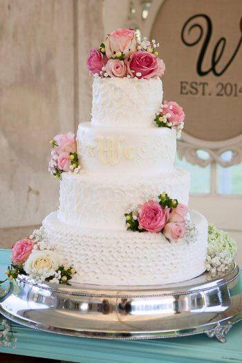 Hochzeitstorte echte Blumen