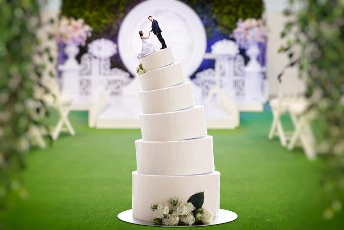 Hochzeitstorte schief