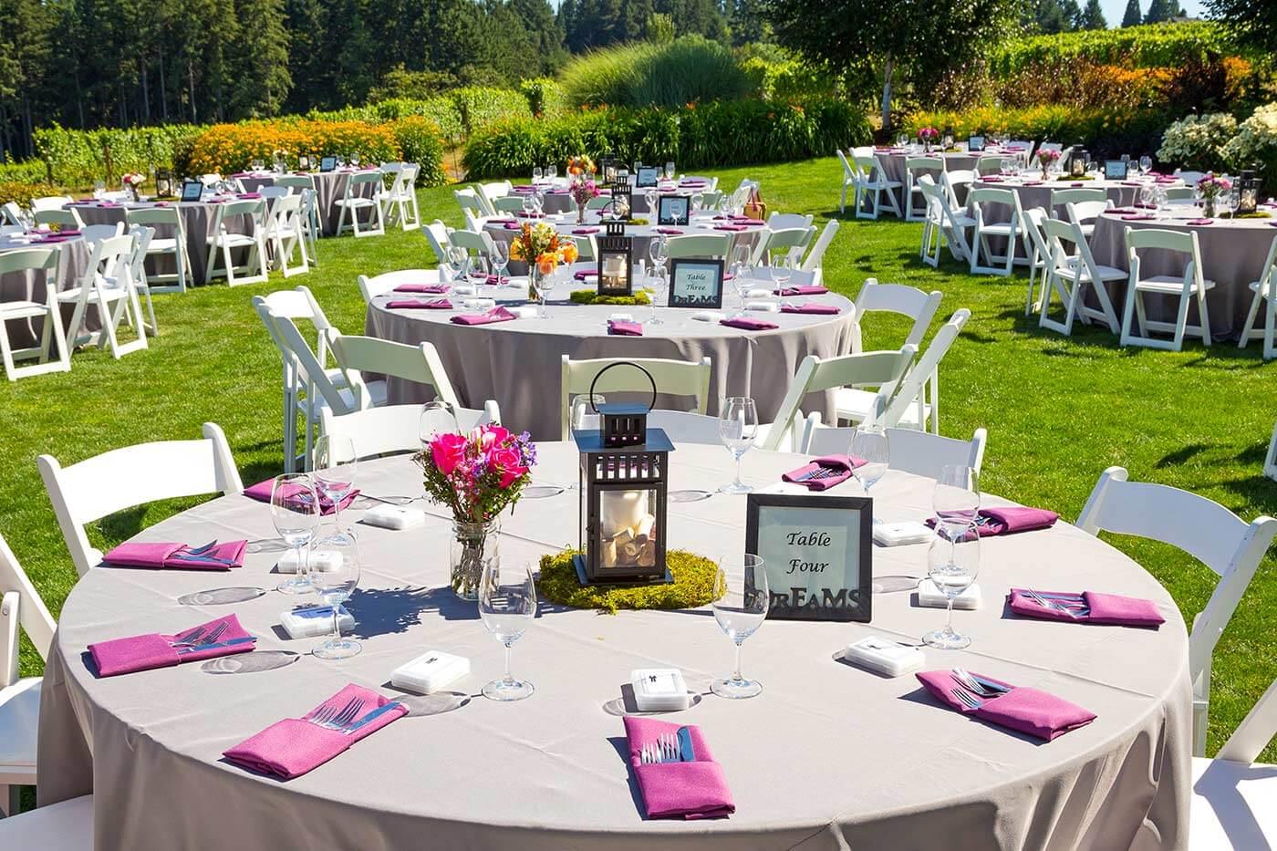 Hochzeit im Freien: Tischdeko
