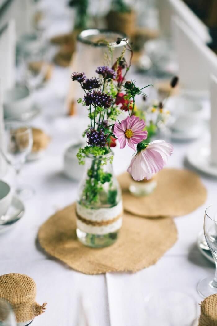 Moderne Tischdeko | Mehr Ideen findet ihr in unserer