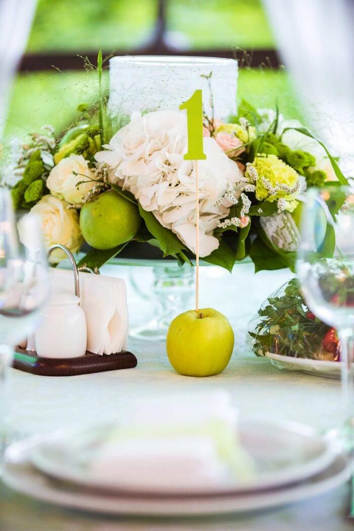 Tischdeko für die Hochzeit in Grün