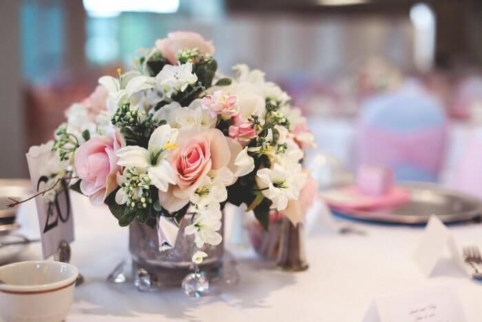 Tischdekoration Blumen Hochzeit
